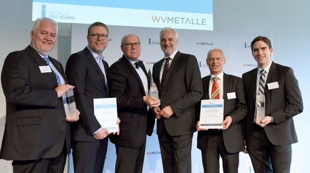 Foto: Thomas L. Geupel (Alunorf), Kjetil M. Ebbesberg (Hydro Aluminium), Hermann Kersting (KME), Garrelt Duin (Wirtschaftsminister NRW), Heribert Hauck (Trimet), Till Reek (Trimet) (v.l.n.r.)